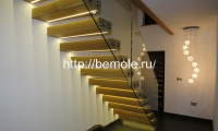 Открытая лестница с подсветкой